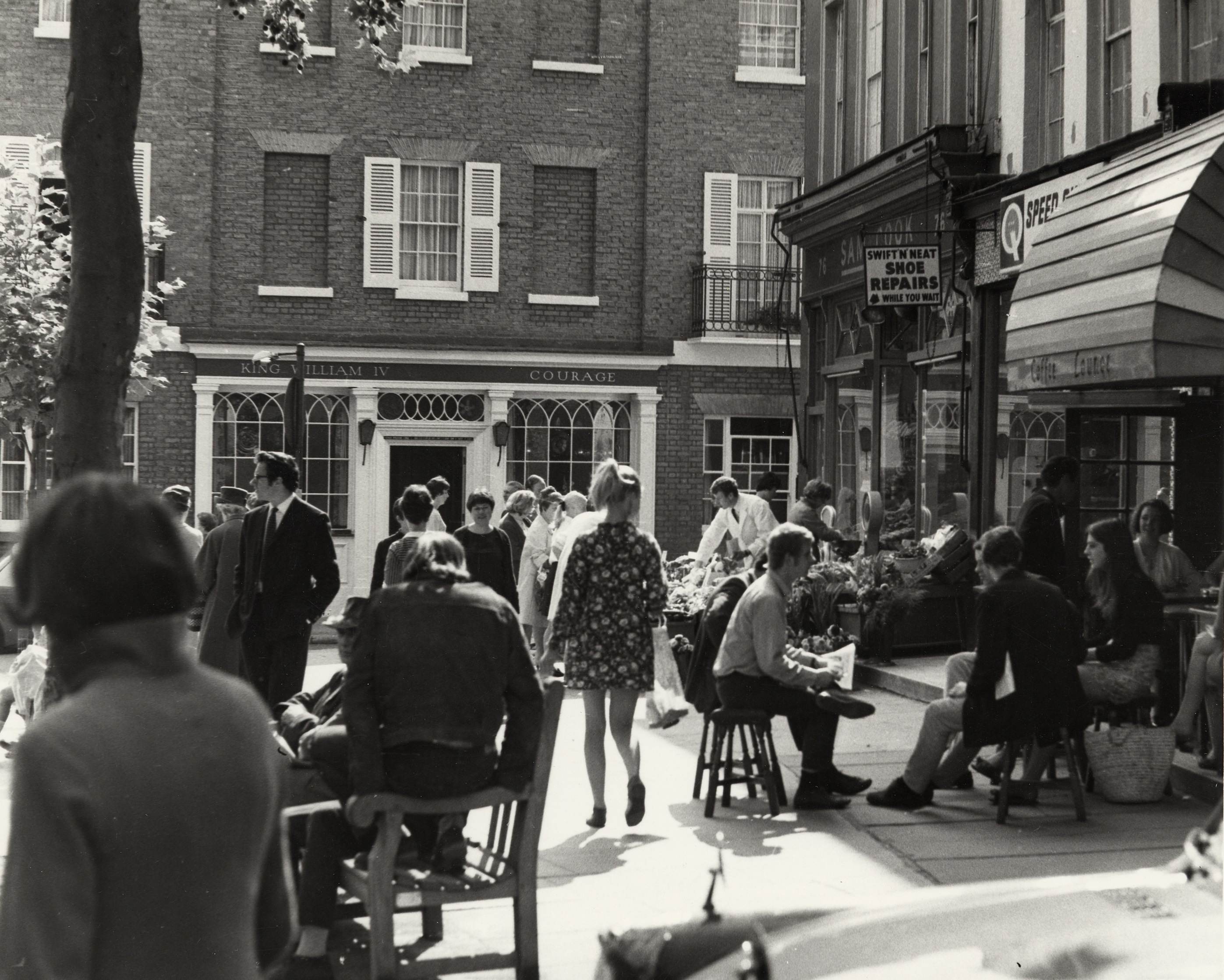 Hampstead High Street in 1967 © Camden Local Studies and Archives Centre